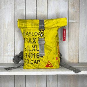 Ein Rucksack ist auch so eine Art Container, oder?
