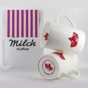 Zwei Becher Kaffee mit Milch...
